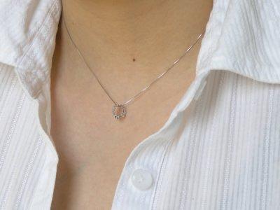画像2: 誕生石ベビーリングペンダントヘッド(トップ)(ネックレス)プリンセス/ ホワイトゴールド [ルビー]※チェーンは別売りです